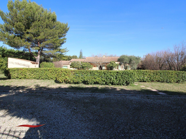 Achat vente villa piscine et grand terrain saint remy de for Camping saint remy de provence avec piscine